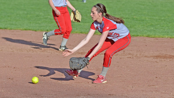 Stephanie Brown fields a ground ball for the Symmes Valley Lady Vikings who beat Whiteoak 7-6 on Thursday in the Division IV district semifinals. (Kent Sanborn of Southern Ohio Sports Photos)