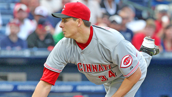 Cincinnati's Homer Bailey outdueled two-time National League Cy Young winner Clayton Kershawn and the Reds beat the Los Angeles Dodgers 3-2 Wednesday. (MCT Direct Photos)
