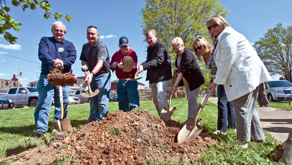 Pictured left to right, George Moore, Jim Skipworth, Mike Pearson, Bud Matheny, Marlena Ross, Bethany Simmons and Diva Justice in celebration of Arbor Day behind Memorial Hall in Ironton.